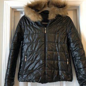 Jackets & Blazers - Black shiny puffer jacket with faux fur hood